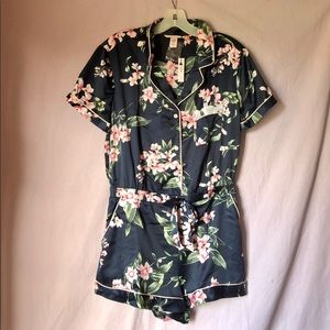 132aa8971a5 Victoria s Secret Intimates   Sleepwear - 1-DAY SALE! NWT! VS SATIN BUTTON